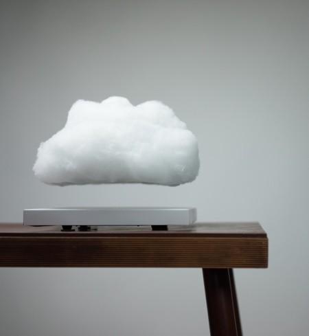空中に浮かぶ雲の置物05