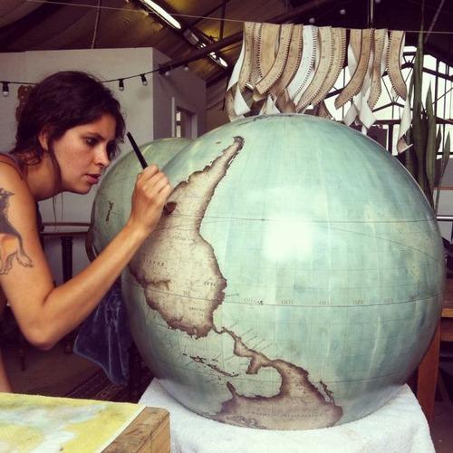 もはや芸術!手作りの地球儀「アトモスフェア」の製作風景が凄い!!の画像(9枚目)