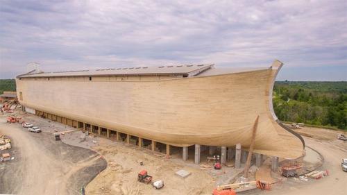 実物大の『ノアの箱舟』の画像(1枚目)