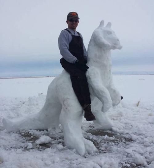 【画像】海外の雪祭りとか色々な雪像がやっぱ海外って感じで面白いwwwの画像(20枚目)