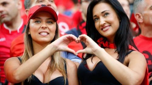 綺麗なサッカーのサポーターのお姉さんの画像の数々!!の画像(26枚目)