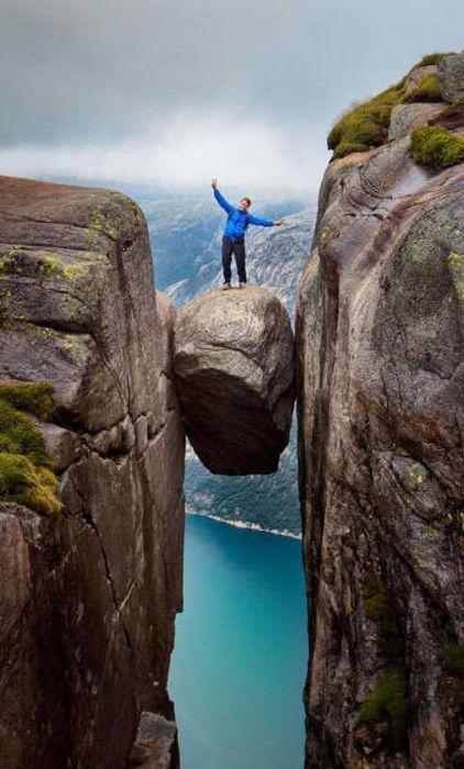 高くて怖い!!高所での怖すぎる記念写真の数々!!の画像(26枚目)