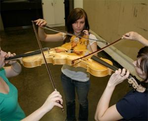 3人同時に弾けるバイオリン!これなら喧嘩にならない!!の画像(7枚目)