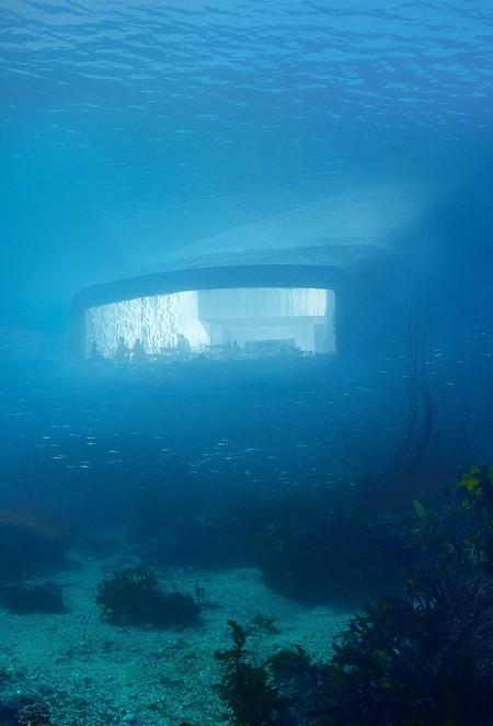 海に沈んだレストラン01