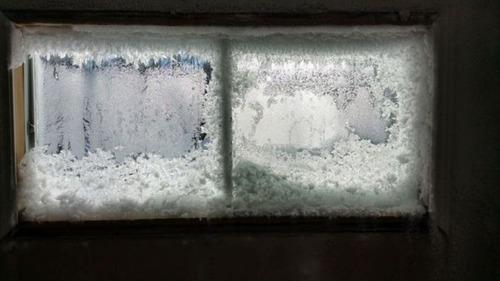 【画像】カナダの冬の室内がちょっとイカレてる・・・の画像(4枚目)