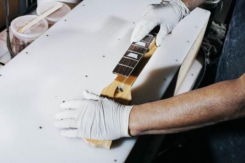 丹精込めて手作りされる超高級ギターのギブソン・レスポールの製作風景の画像の数々!!の画像(3枚目)