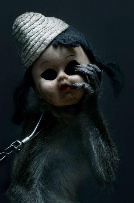 【画像】サルにマスクを被せたら凄まじく怖くなったwwwの画像(2枚目)