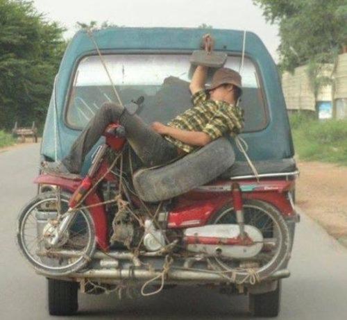 運搬している自動車の画像(21枚目)
