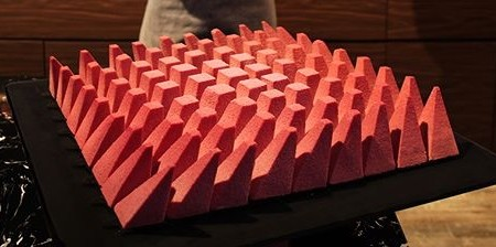 幾何学模様の不思議なケーキ01