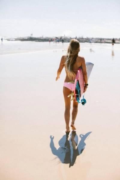 可愛くて魅力的なサーフィンしている女の子の画像の数々!!の画像(15枚目)