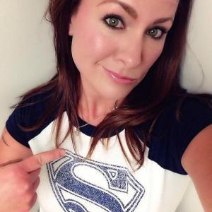 アメコミのヒーローのTシャツを着ている綺麗でセクシーなお姉さんの画像!!の画像(32枚目)