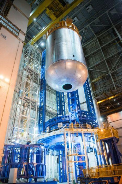 スペースシャトルの燃料タンクの画像(5枚目)
