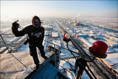 怖すぎる!超高層ビルで撮る自撮り写真!!の画像(19枚目)