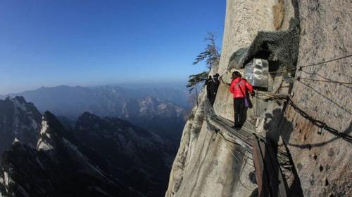 高くて怖い!!高所での怖すぎる記念写真の数々!!の画像(5枚目)