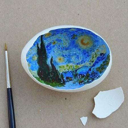 卵の中が別世界!卵の内側に絵を描くアートが面白い!!の画像(3枚目)