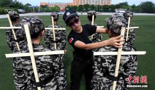 中国の兵士の訓練の内容がかなり無意味に思える・・・の画像(2枚目)