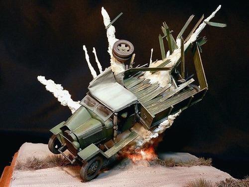 【画像】爆撃を受けたトラックのジオラマの躍動感が凄い!!の画像(3枚目)