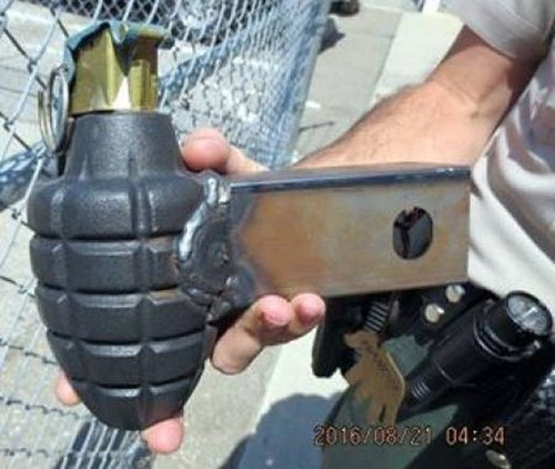 飛行機で没収された隠し武器の画像(19枚目)