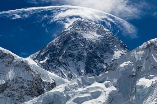 【画像】標高8850m!エベレストの幻想的な風景!!の画像(24枚目)