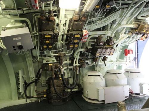 原子力潜水艦の内部の画像(4枚目)