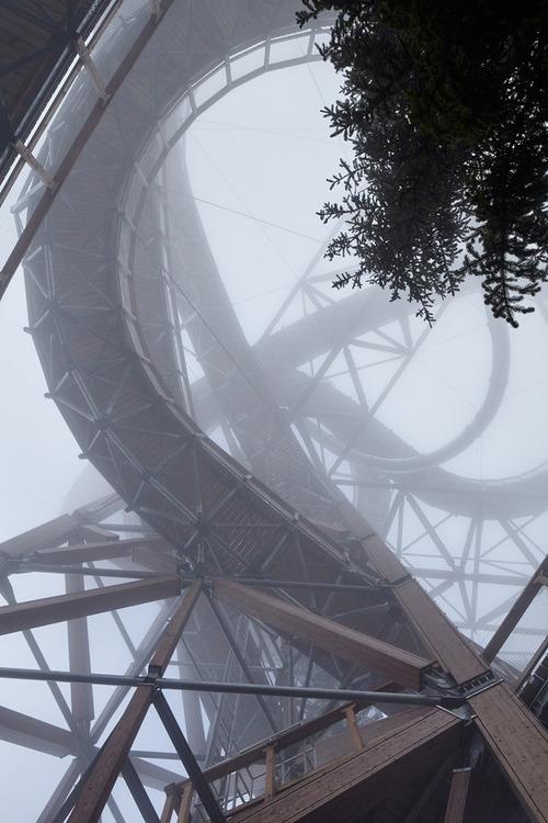 【画像】チェコ共和国にある超巨大で超怖過ぎる滑り台!!の画像(13枚目)