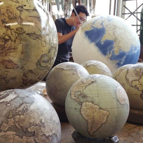 もはや芸術!手作りの地球儀「アトモスフェア」の製作風景が凄い!!の画像(3枚目)