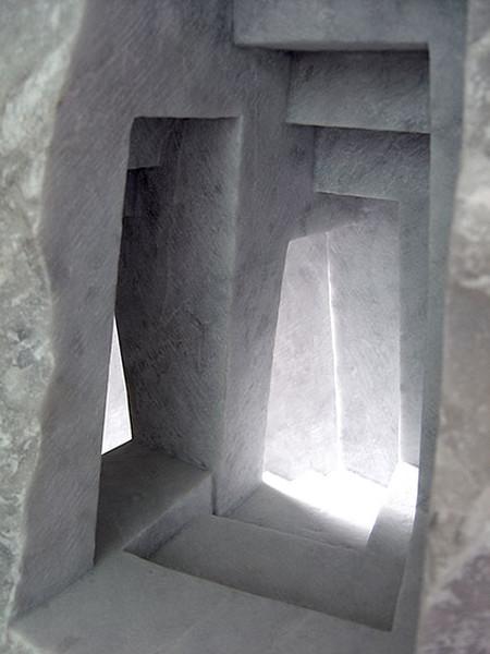 大理石を切り抜いて作った神殿のミニチュア14