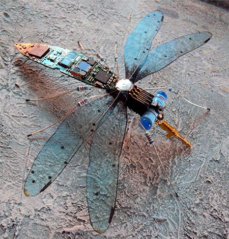 今にも動き出しそう!ちょっとリアルな電子部品でできた昆虫!!の画像(7枚目)