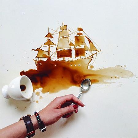 【画像】こぼれたコーヒーのシミで絵を描く!洋風の水墨画のようなアート!!の画像(2枚目)