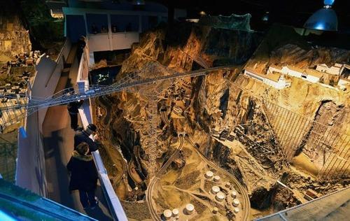 電車は小さいのに世界一大きな電車のジオラマが凄い!!の画像(12枚目)