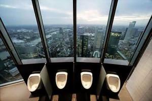 【画像】何だか不安になる無駄にクリエイティブなトイレの数々!!の画像(15枚目)