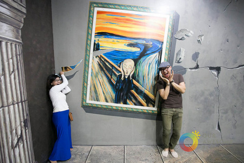 いっしょに撮れば面白い!3Dアートで遊ぶ人たちの画像!の画像(7枚目)