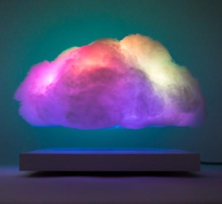 空中に浮かぶ雲の置物04