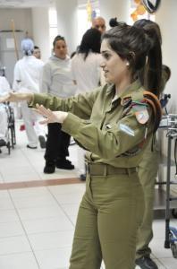 可愛いけどたくましい!イスラエルの女性兵士の画像の数々!!の画像(10枚目)