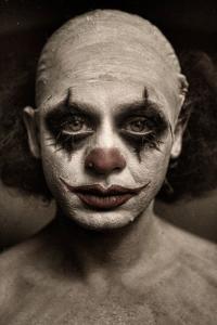 なんの癒しにもならない!超怖いピエロのコスプレ画像の数々の画像(2枚目)