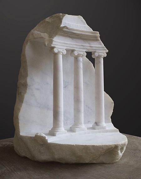 大理石を切り抜いて作った神殿のミニチュア07