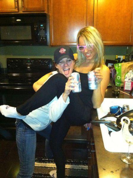 酒は飲んでも飲まれるな!おいしそうに酒を飲んでいる人と飲まれている人の画像の数々!!の画像(31枚目)