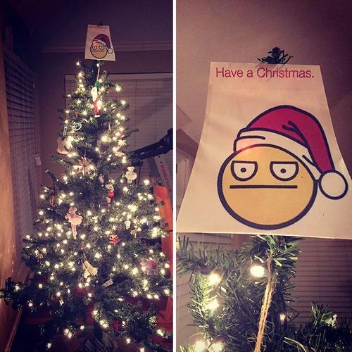 カオスなクリスマスツリーの上の飾りの画像(19枚目)