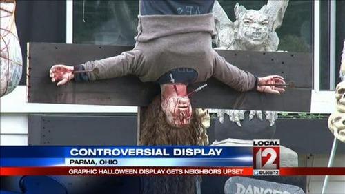 【画像】ちょっと次元の違う怖すぎるハロウィンの装飾の数々!!の画像(8枚目)