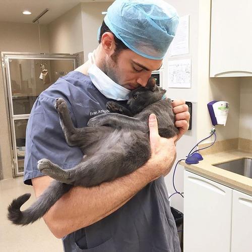 動物大好きイケメン獣医さんと動物の幸せそうな画像の数々!!の画像(11枚目)