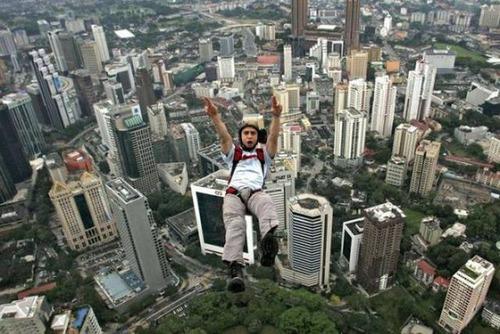 高くて怖い!!高所での怖すぎる記念写真の数々!!の画像(36枚目)