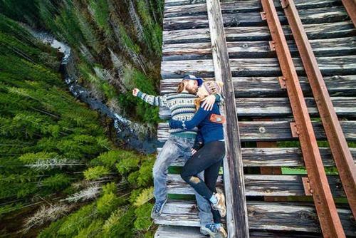 高くて怖い!!高所での怖すぎる記念写真の数々!!の画像(19枚目)