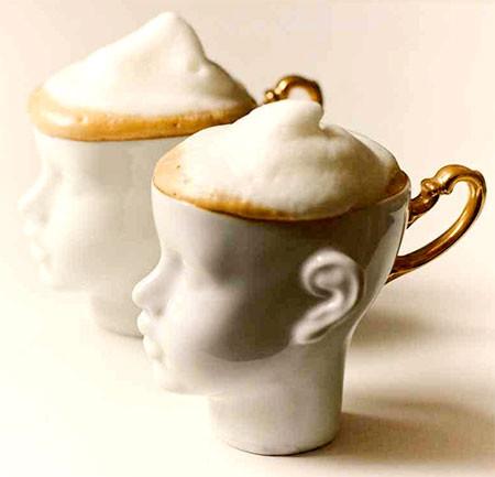 【画像】ちょっとカオスな人の頭のコーヒーカップ…の画像(2枚目)