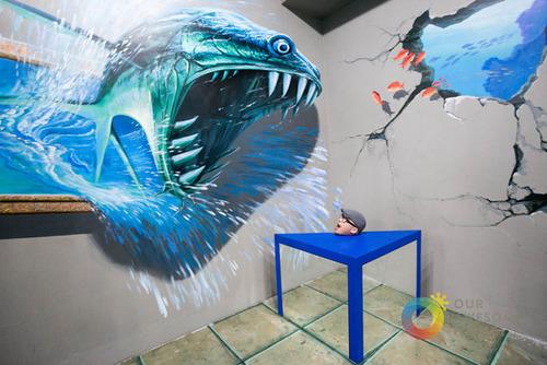 いっしょに撮れば面白い!3Dアートで遊ぶ人たちの画像!の画像(15枚目)