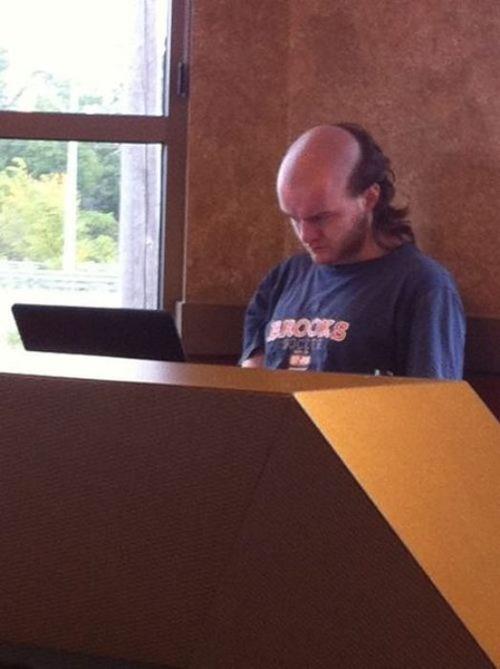 ちょっと斬新過ぎるにも程がある髪型の人たちの画像の数々!!の画像(5枚目)