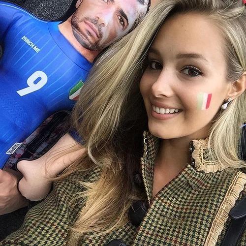 綺麗なサッカーのサポーターのお姉さんの画像の数々!!の画像(24枚目)