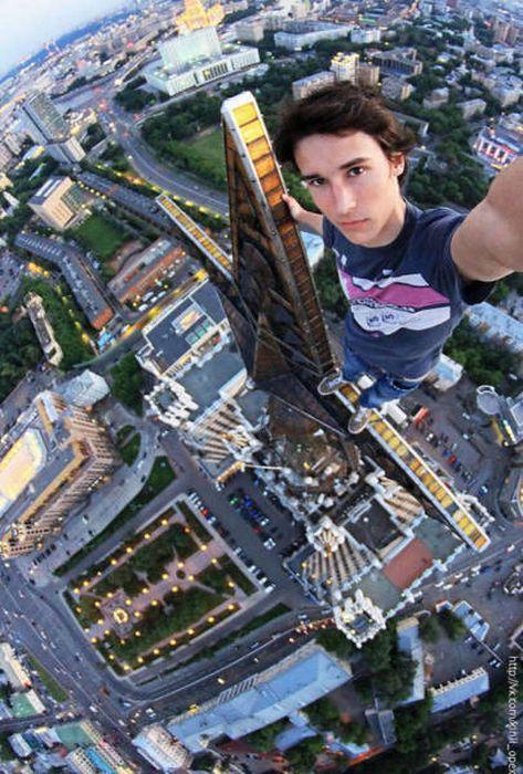 高くて怖い!!高所での怖すぎる記念写真の数々!!の画像(11枚目)