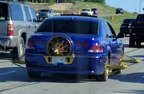 【画像】とりあえず目を引く!かっこ良かったり悪かったりする自動車のカスタム!!の画像(20枚目)