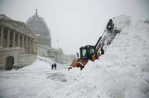 【画像】大雪のニューヨークで日常生活が大変な事になっている様子!の画像(15枚目)