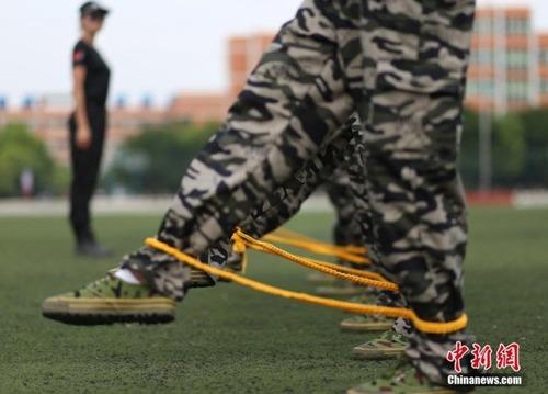 中国の兵士の訓練の内容がかなり無意味に思える・・・の画像(4枚目)